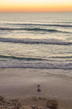 בוק בת מצווה בים, מזל טוב לבת מצווה