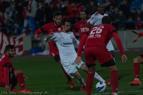 sports photography, Tony Nawakeme, Hapoel Beer sheva, Dribbel