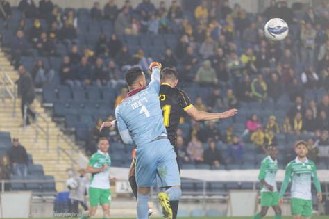 sports photography, Beitar Jerusalem, Goalkeeper, Save