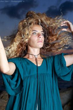 Portrait photographer, Curly hair
