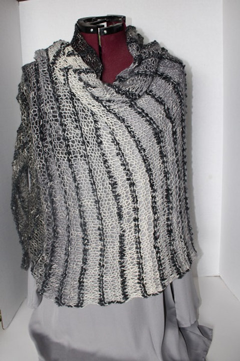 Black and Pale Grey Wrap