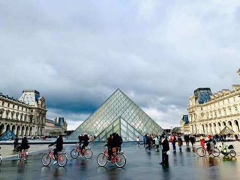Louvre Love