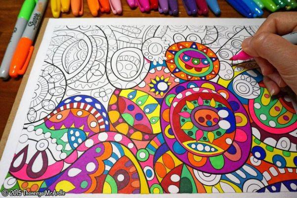 Adult Color Book w/ Colored Pencils Set