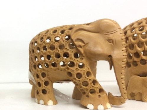 Elefantes indianos em madeira