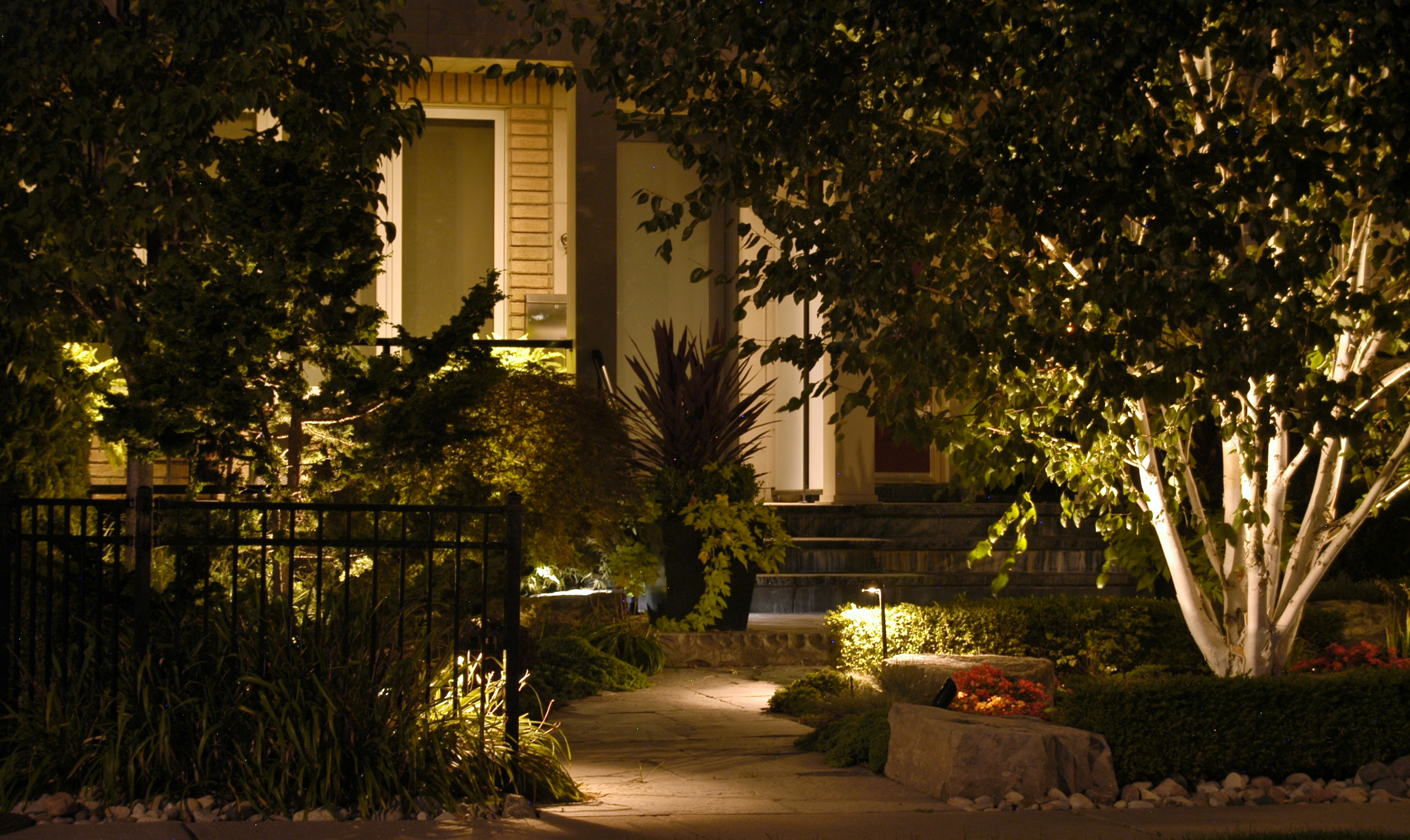landscaping-lights-led-landscape-lighting-light-emitting-design-light-emitting-design-yellow-color-l