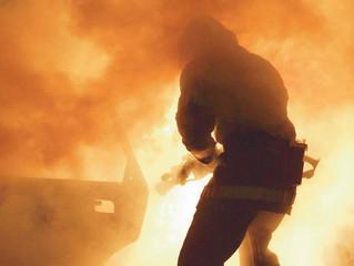 [LIVRE] Retour de flammes - Les pompiers, des héros fatigués ? Auteur Romain PUDAL