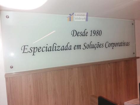 Painel de vidro slogan