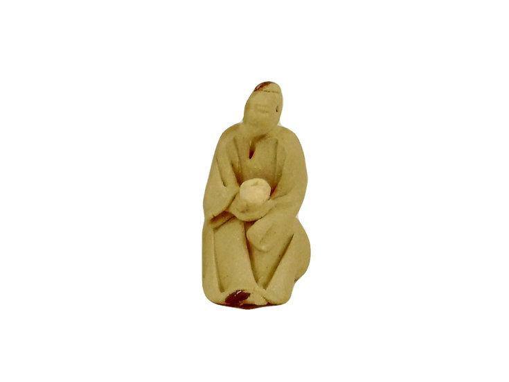 Figura Japonés sentado