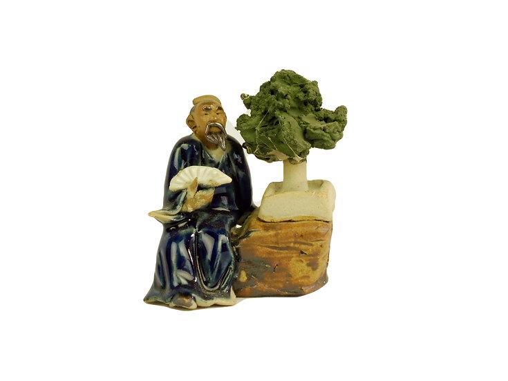 Figura Japonés con Bonsai y Abanico