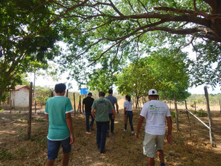 Agricultoras e agricultores recebem visita do BNDES.