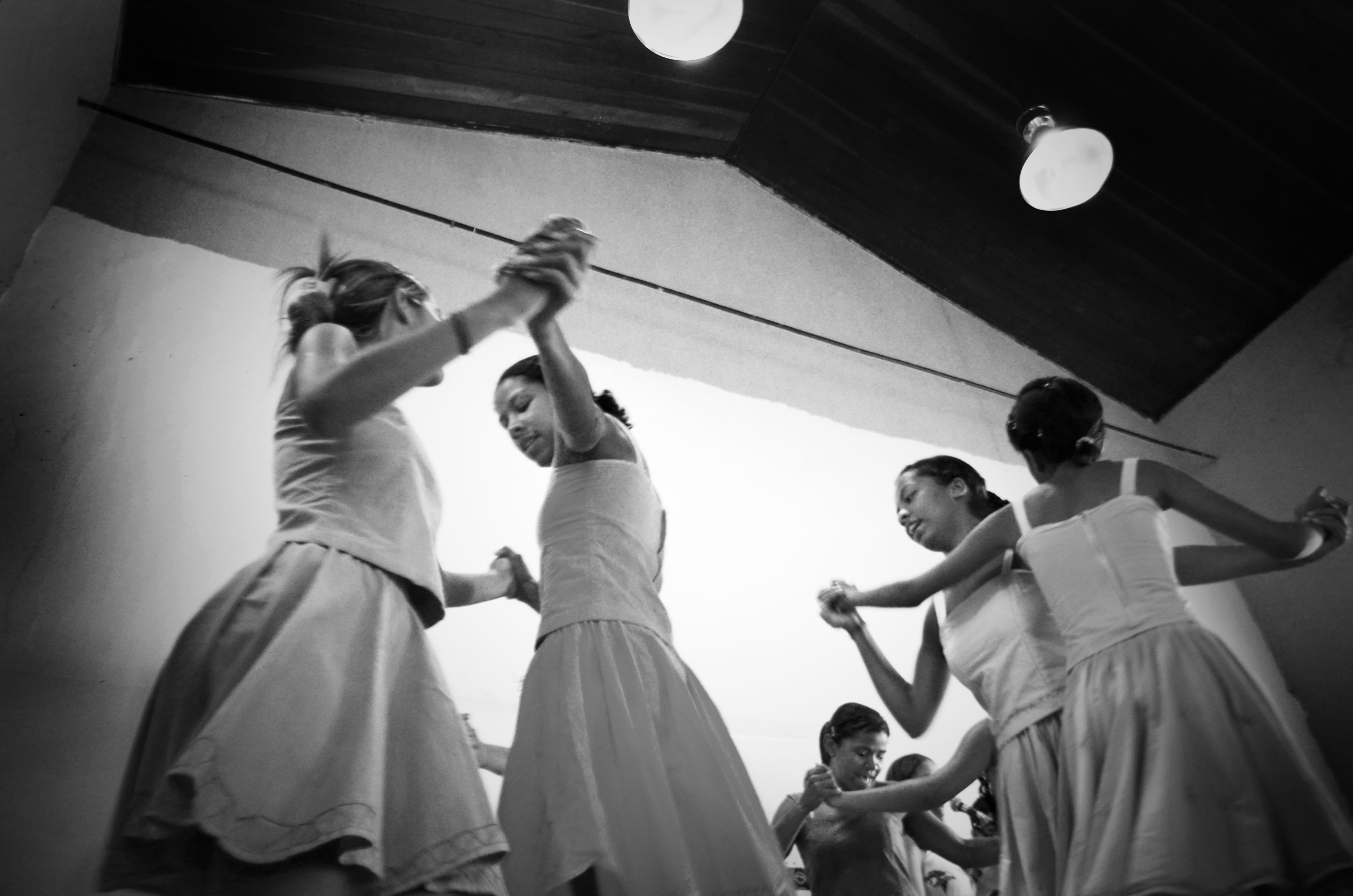 Dança das meninas do Urucongo