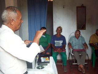 AGRICULTORES DE SANTANA DO CARIRI RECEBEM GAPA