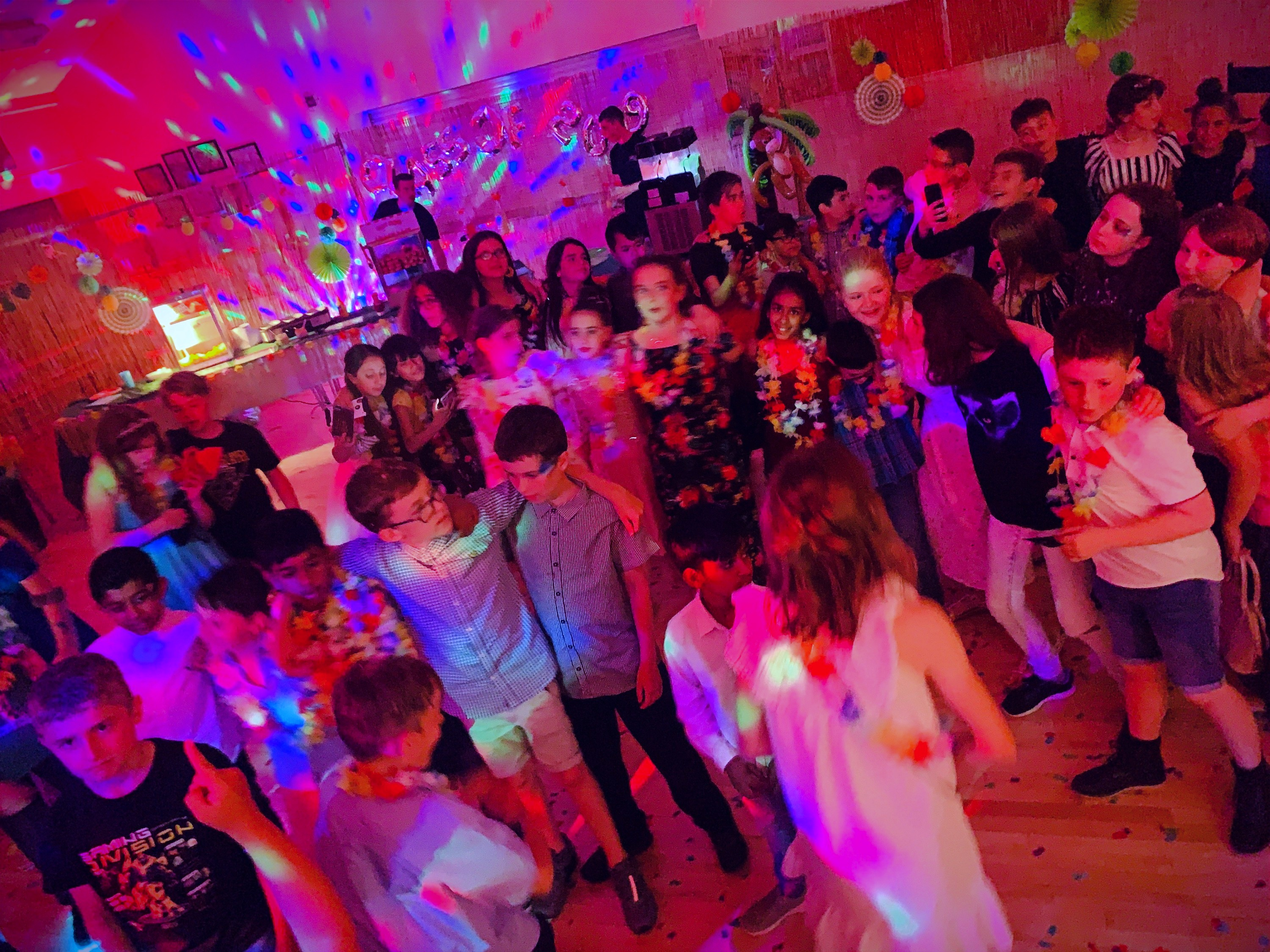 Year 6 leavers disco DJ in Hertford  - Moji Entertainer
