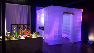 photo booth for hire in Essex - Moji Entertainer
