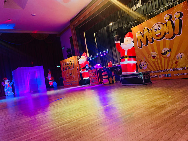 Corporate Chrsitmas Shows For Kids London - Moji Entertainer