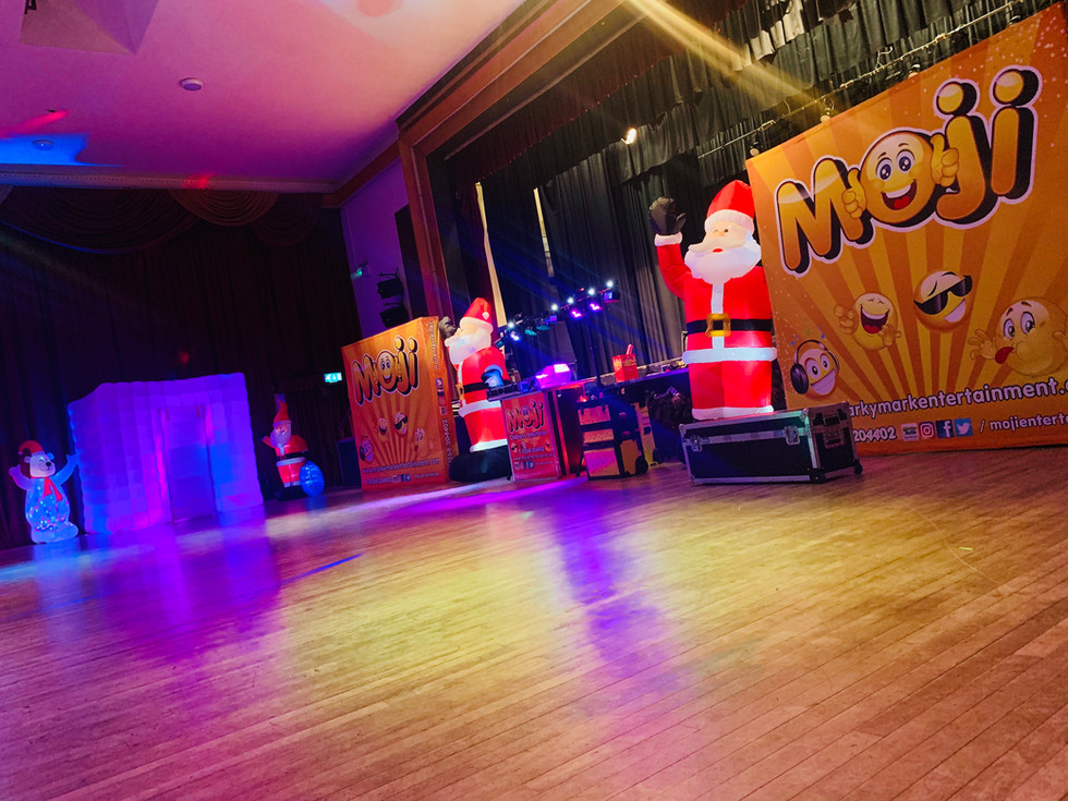 Corporate Shows For Kids London - Essex - Moji Entertainer