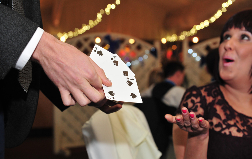 Close magician in Essex performing at a Wedding - MMENT