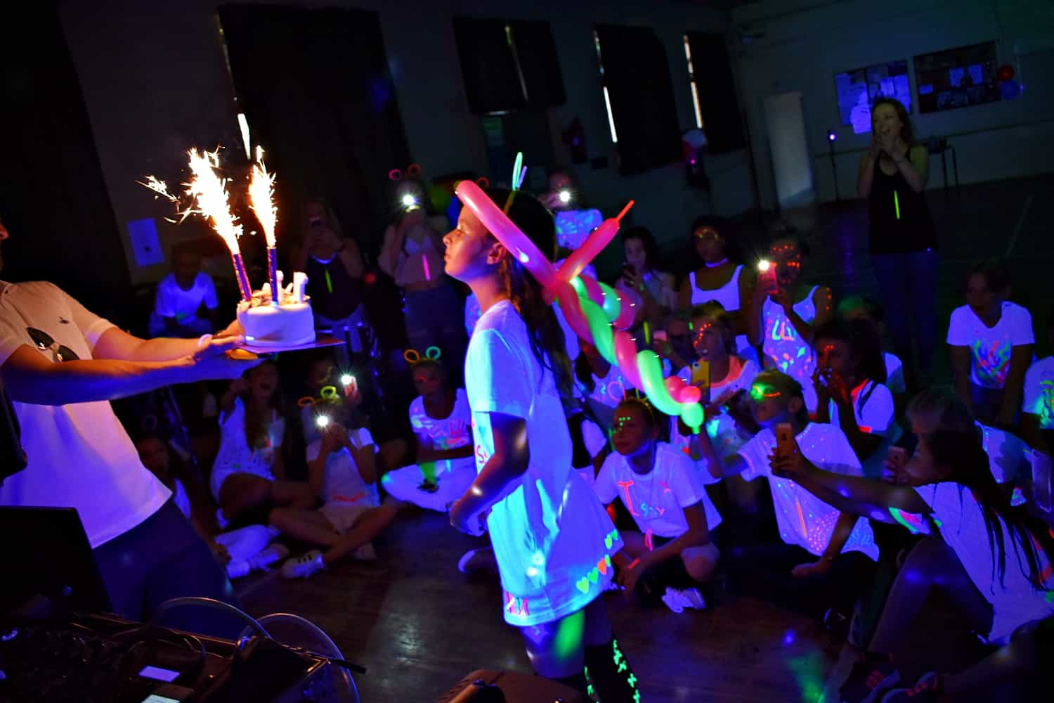 UV parties for kids Essex - MMENT
