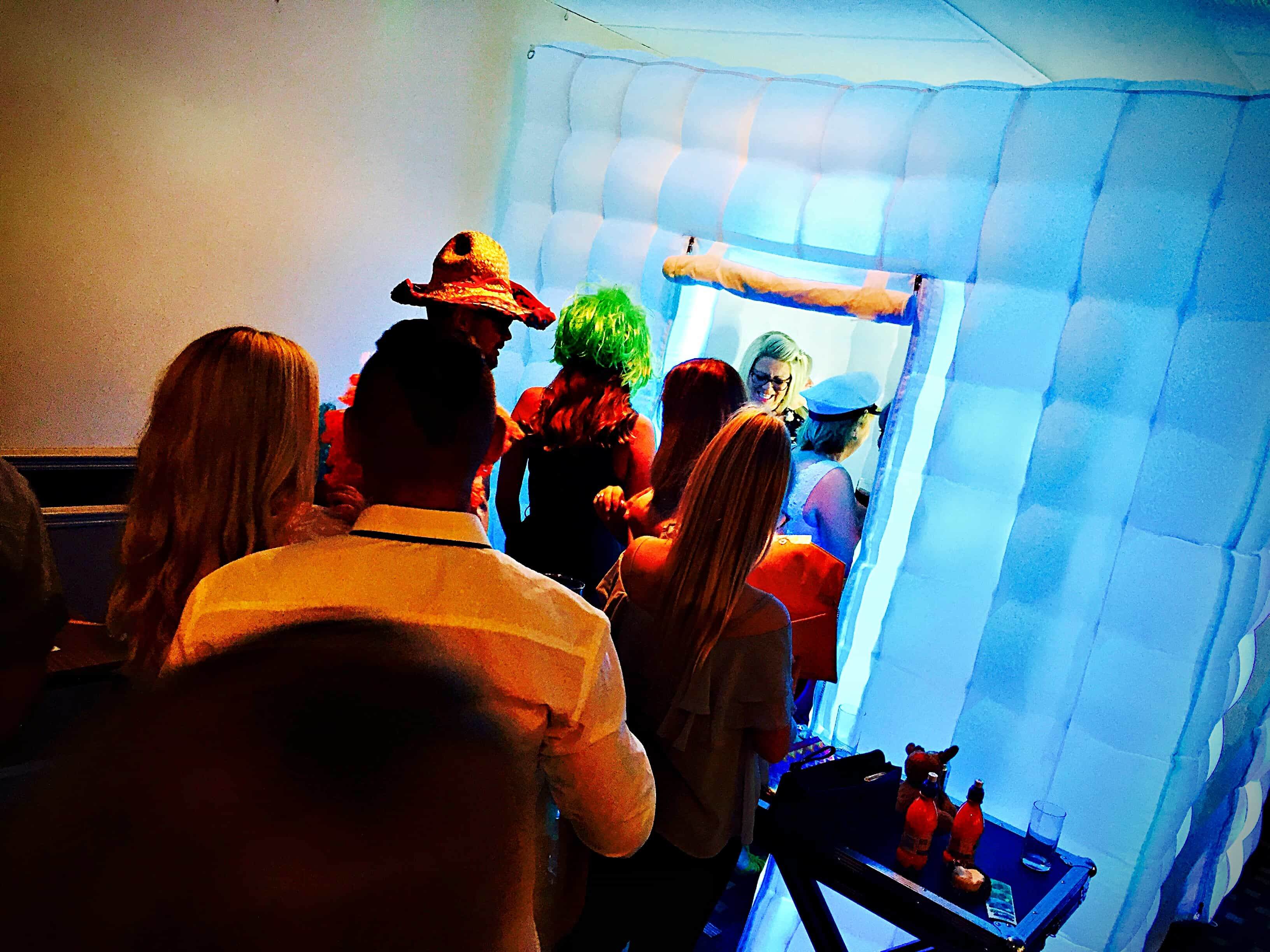 Photo Booth Hire In Hertfordshire - MMENT