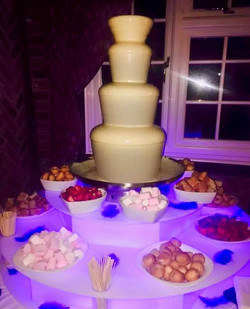 Chocolate fountain hire for kids parties in Kent - Moji Entertainer