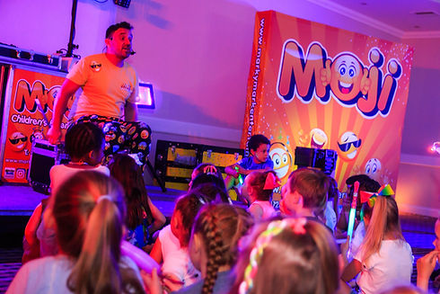 Entertainer at a school disco in Hertfordshire - Moji Entertainer
