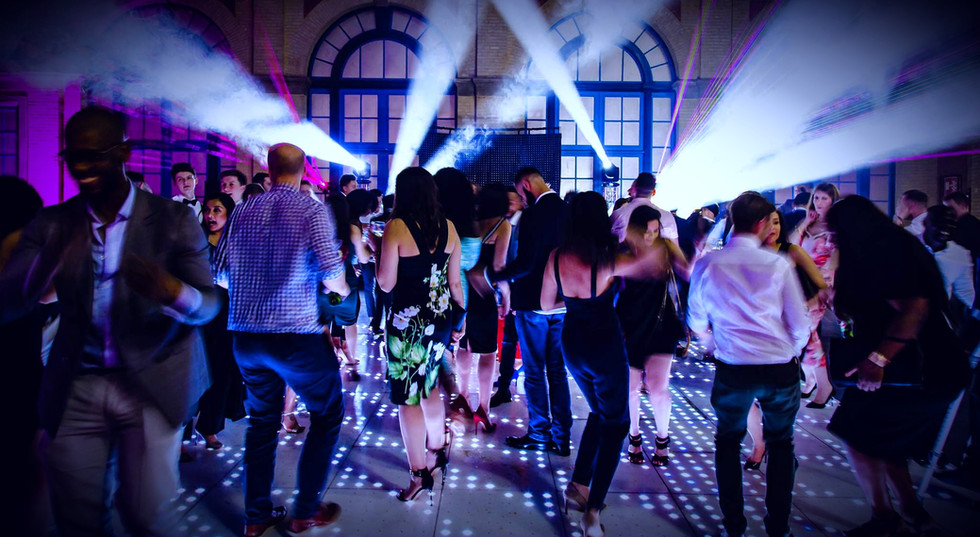 Full dance floor at a corporate event - Corporate Event DJ Essex London - MMENT