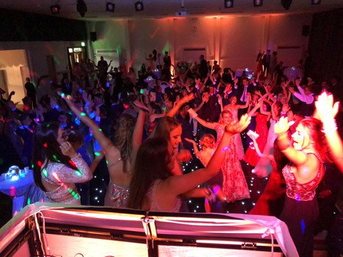 The best school prom DJ in Essex - MMENT