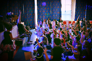 School disco enteratainers Essex - MMENT
