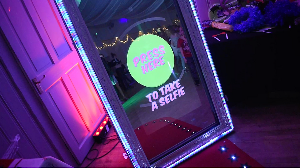 Magic Mirror Photo Booth Essex - MMENT