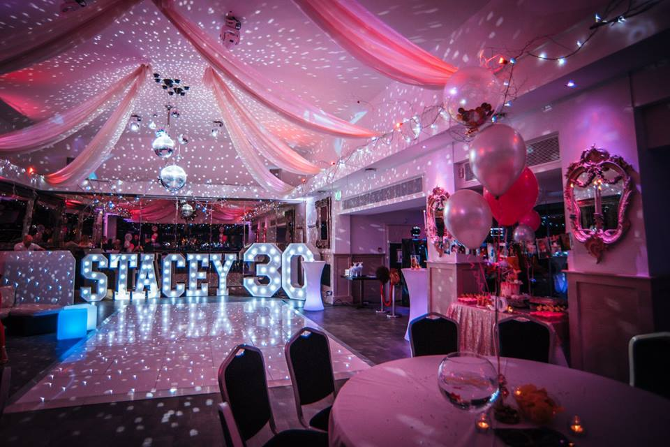 Staarlit dance floor hire Essex - MMENT