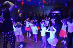Uv children's party with a children's entertainer in Essex - Moji Entertainer