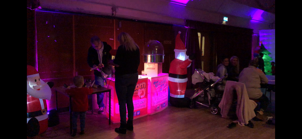 Popcorn and candy floss machine at an event - MMENT