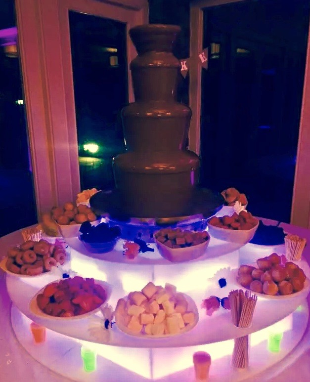 Chocolate fountain hire for kids parties in Hertford - Moji Entertainer