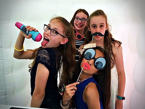 Photo booth hire in Essex for kids - Moji Entertainer