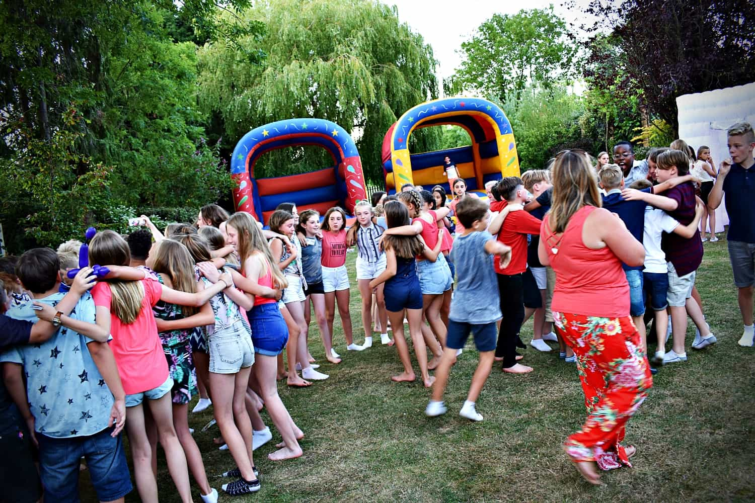 Year 6 leavers party entertainer Essex - MMENT
