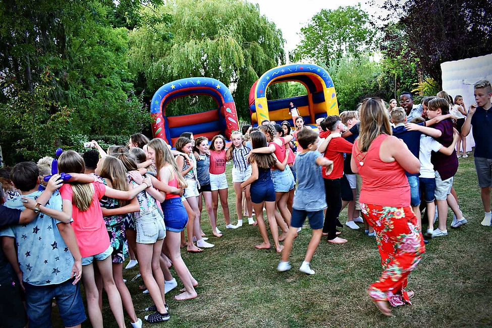 year 6 leaving party Essex - MMENT