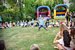 The best party entertainers in London - Moji Entertainer