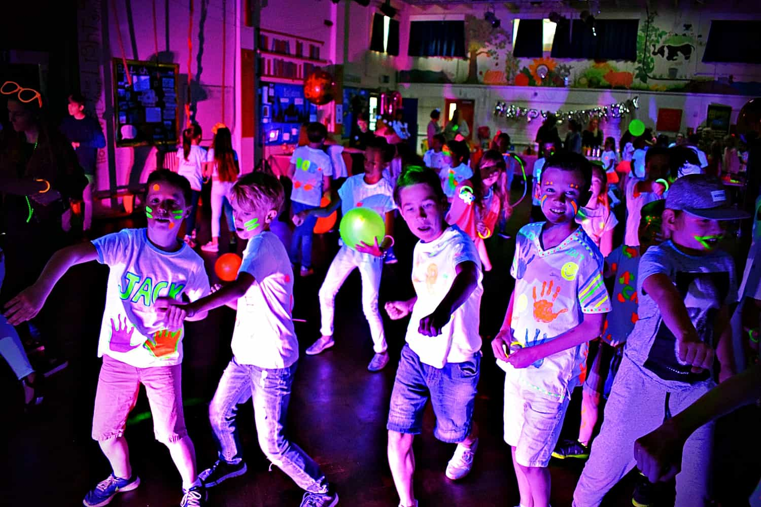UV glow discos Essex - MMENT