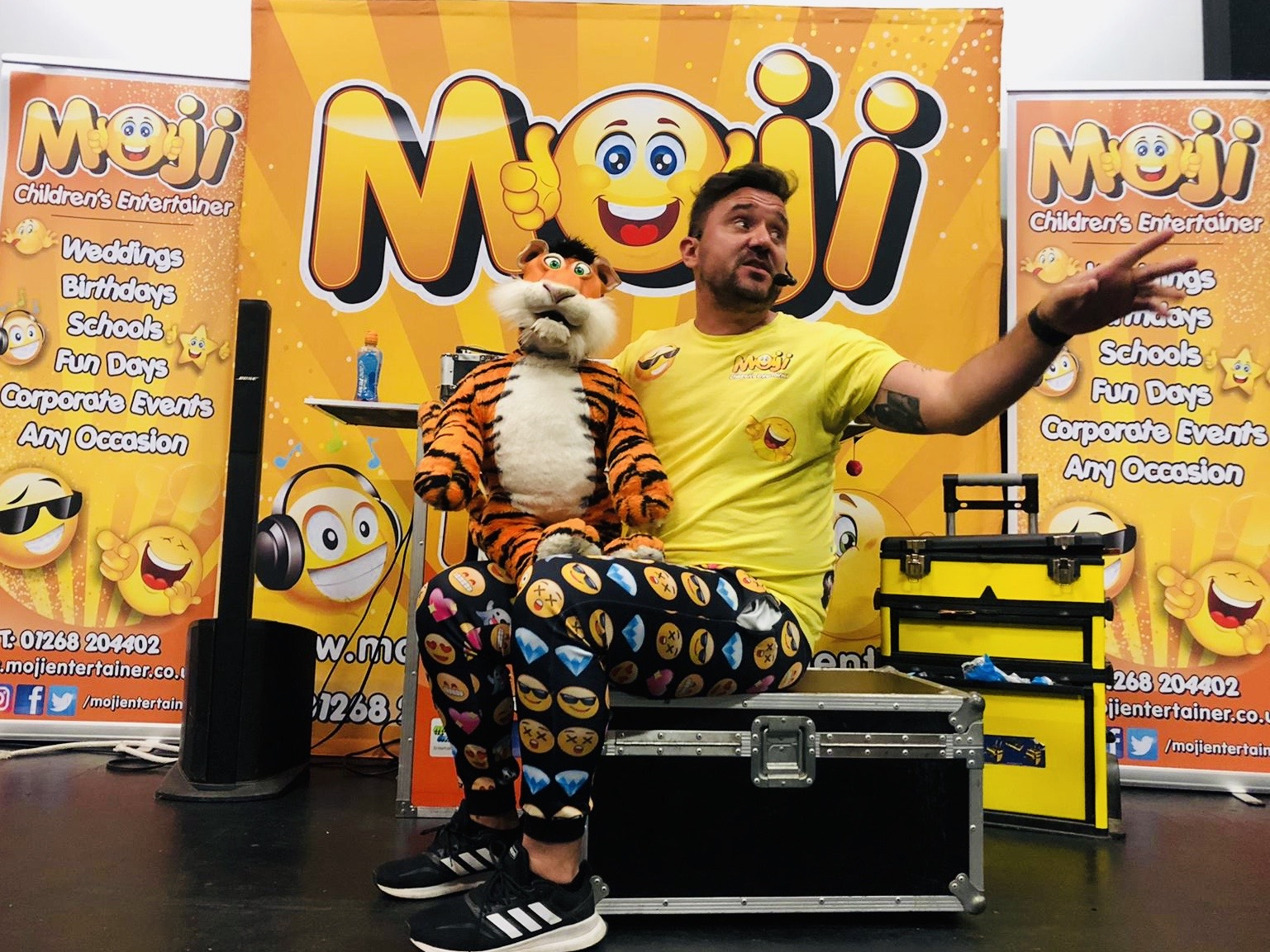 Moji Children's Entertainer Essex2