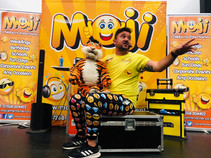 Moji Children's Entertainer Essex2.JPG