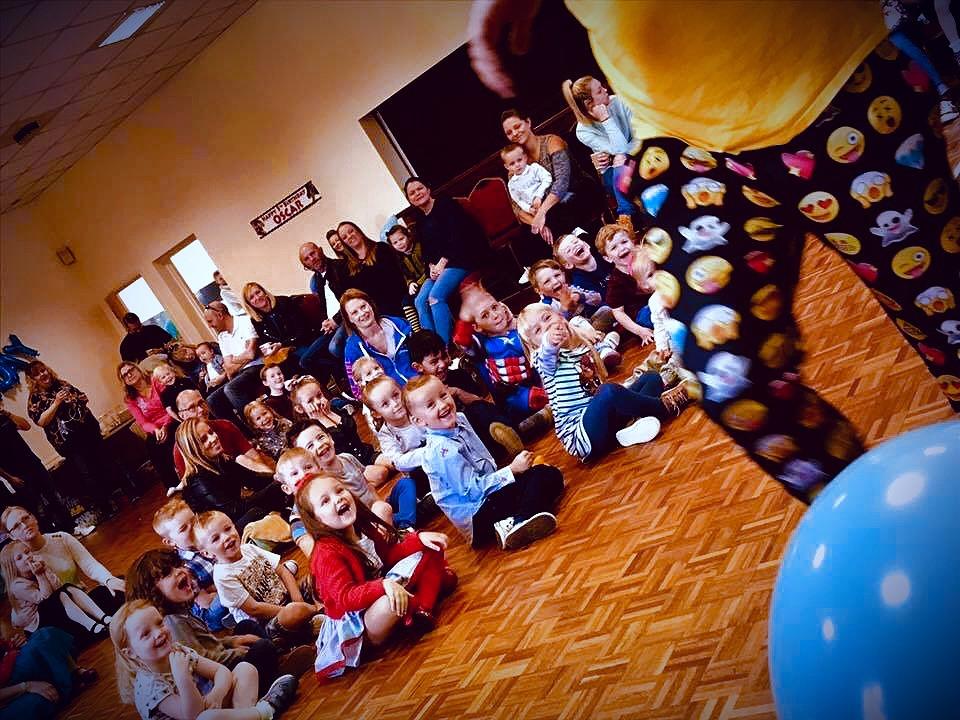 children watching a party entertainer in Essex - Marky Mark Entertainer