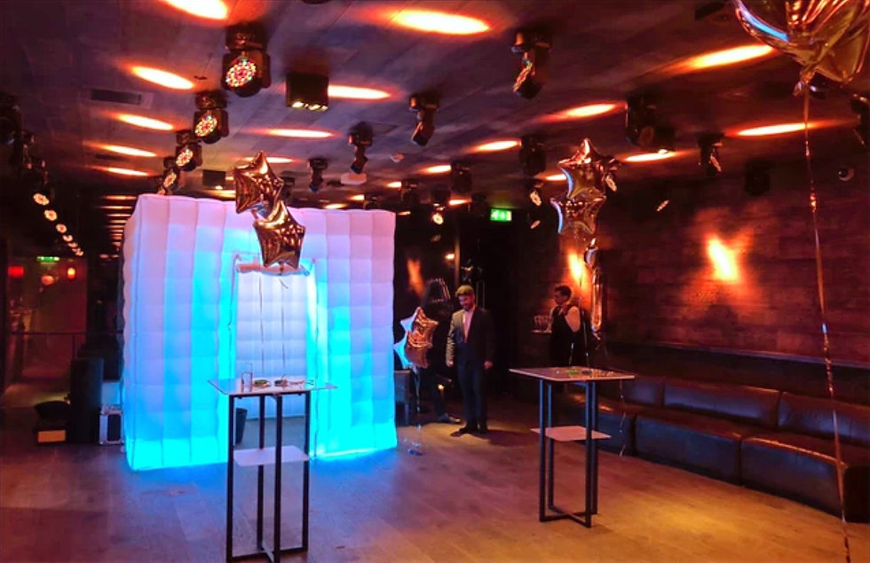 Photo booth hire - Essex - MMENT