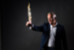 Close up magician performing a trick - close magician hire Essex - MMENT