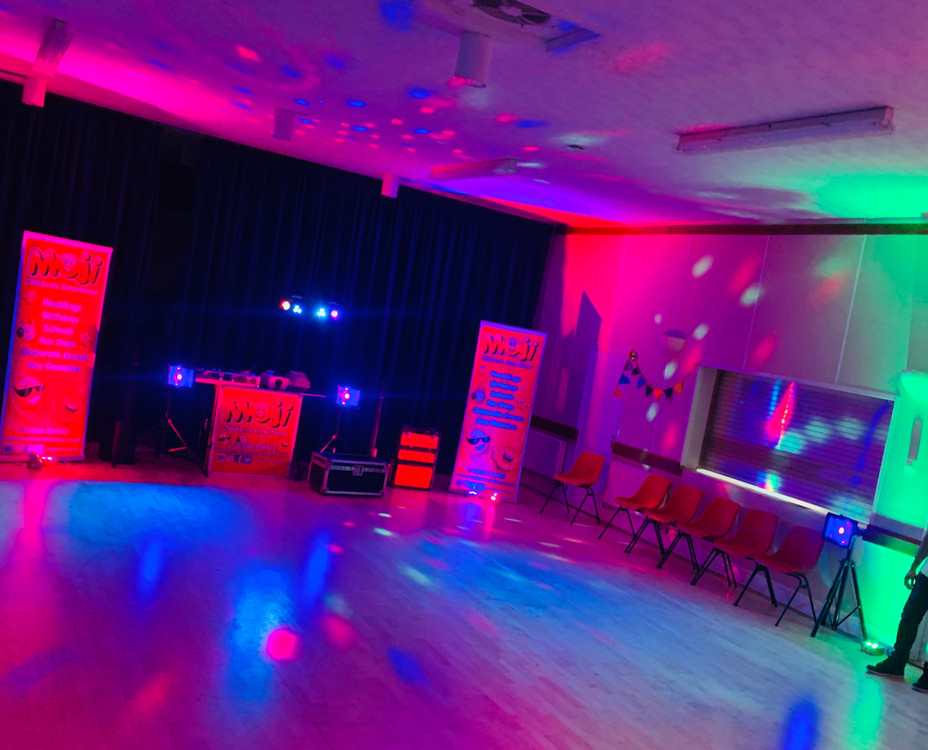 Party Uplighting in Essex - Moji Entertainer