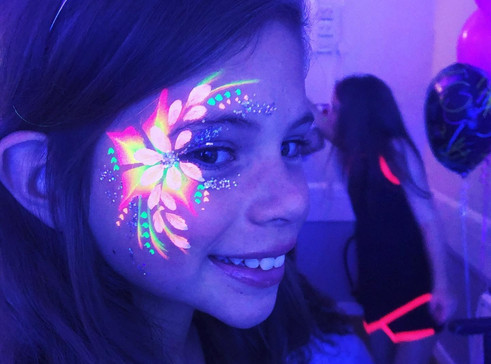 UV fave paint ideas - face painter hire Essex - MMENT