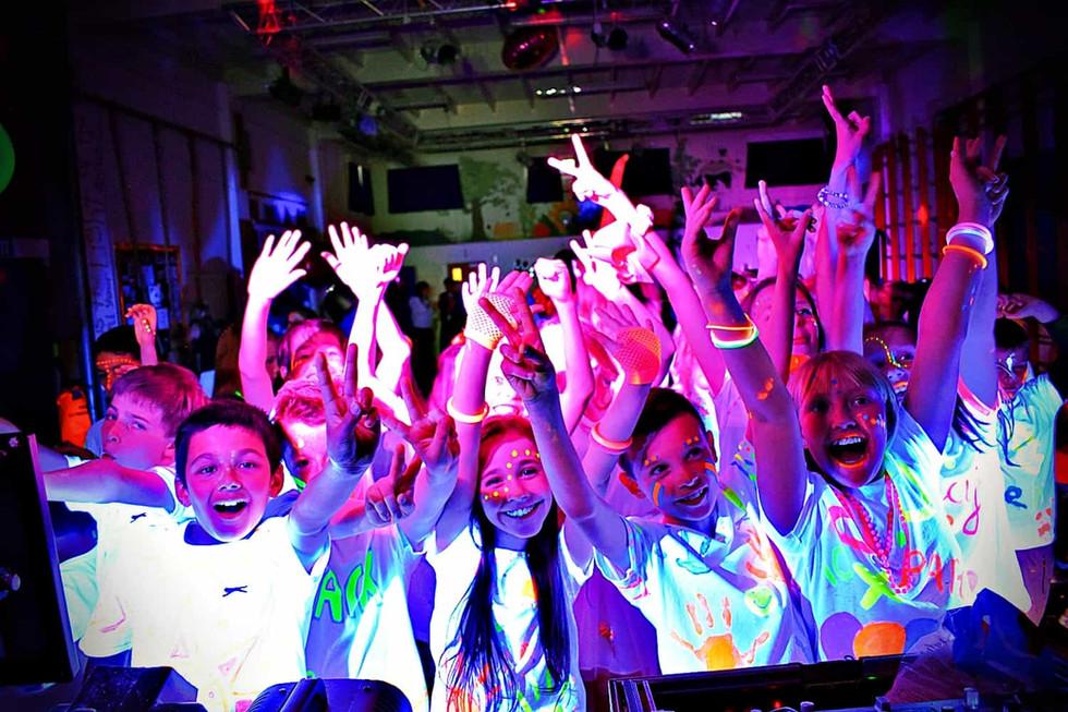 Children at a UV Party in Essex - Moji Entertainer