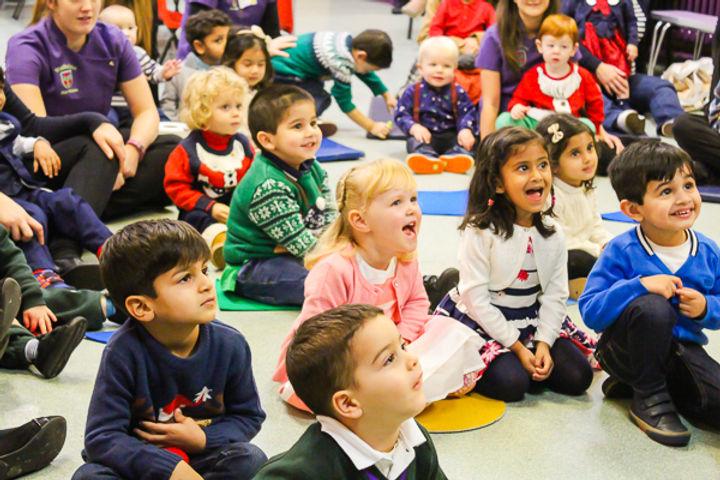 Children's nursery entertainer in Essex - Moji Entertainer