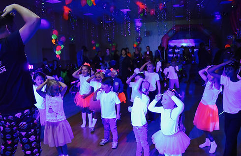 UV Party for kids in Essex - Moji Entertainer