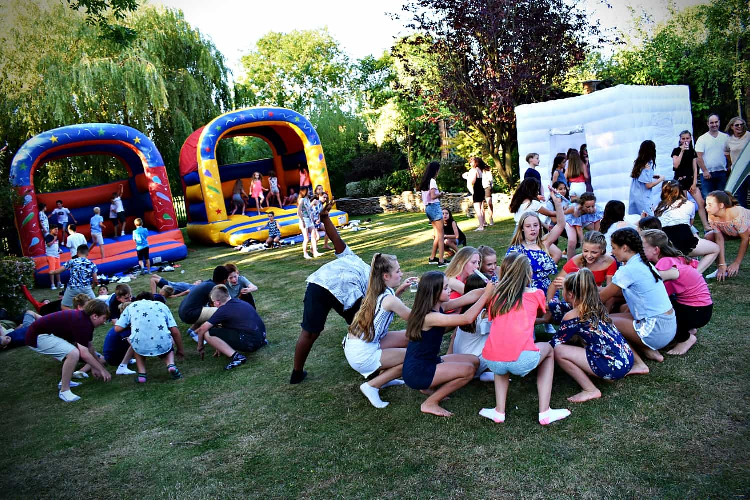 Children's party with a photo booth Hertfordshire - Moji Enterainer