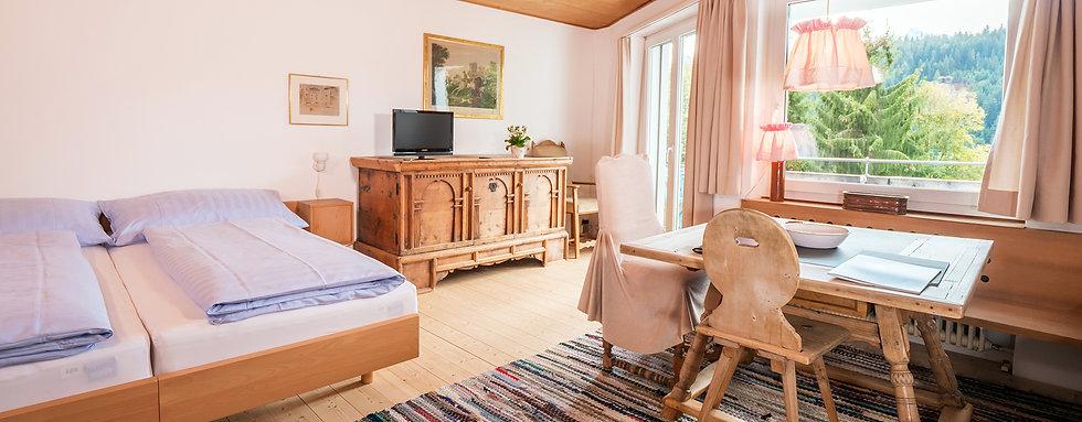 Zimmer Waldrand.jpg